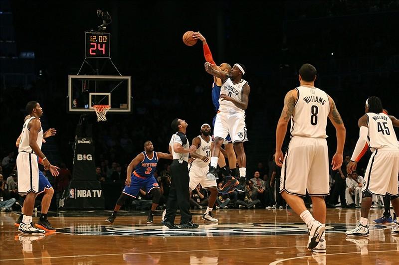 Nets vs Knicks opening tip