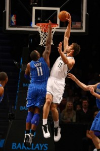 Lopez dunk on Glen Davis of Magic
