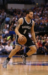 Deron Williams dribbling