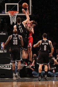 Brook Lopez blocks Bulls Joakim Noah