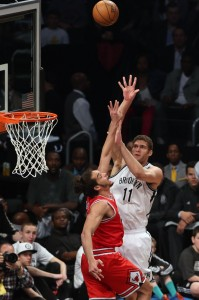 Brook Lopez shoots over Bulls  Joakim Noah game 2