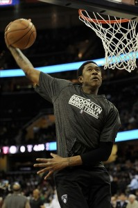 MarShon Brooks dunks pregame