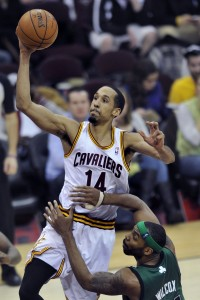 Shaun Livingston as a Cavalier driving to the basket