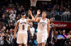 Deron-Williams-high-fives-Brook-Lopez-vs-Jazz