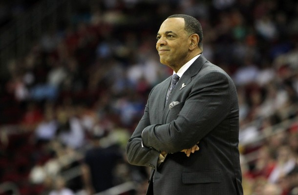 Lionel Hollins crossing his arms on sideline
